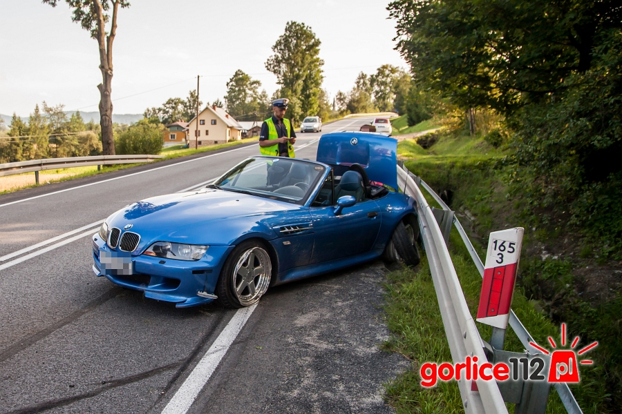 Kolizja BMW z VW w Ropie, sprawca odjechał z miejsca zdarzenia!