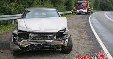 Opel wypadł na zakręcie w miejscowości Ropa