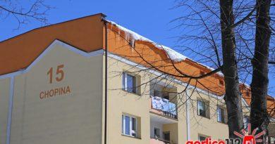 Gorlice, ul. Chopina: zwłoki mężcyznzy w głębokim rozkładzie znaleziono w mieszkaniu