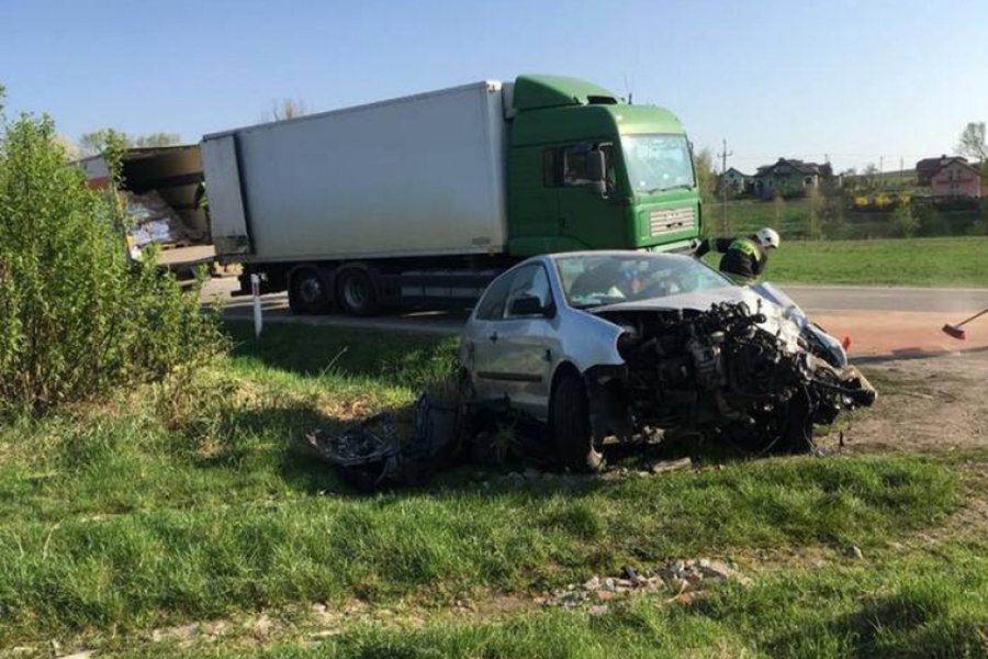 Binarowa: zderzenie Volvo z VW Polo.