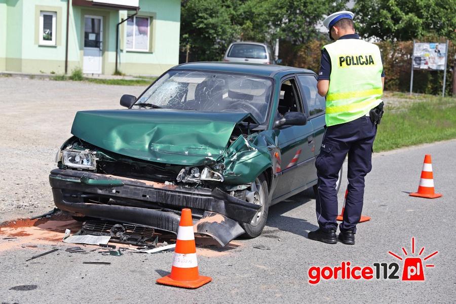 Kolizja: Isuzu zderzyło się z Oplem Astrą w miejscowości Libusza.