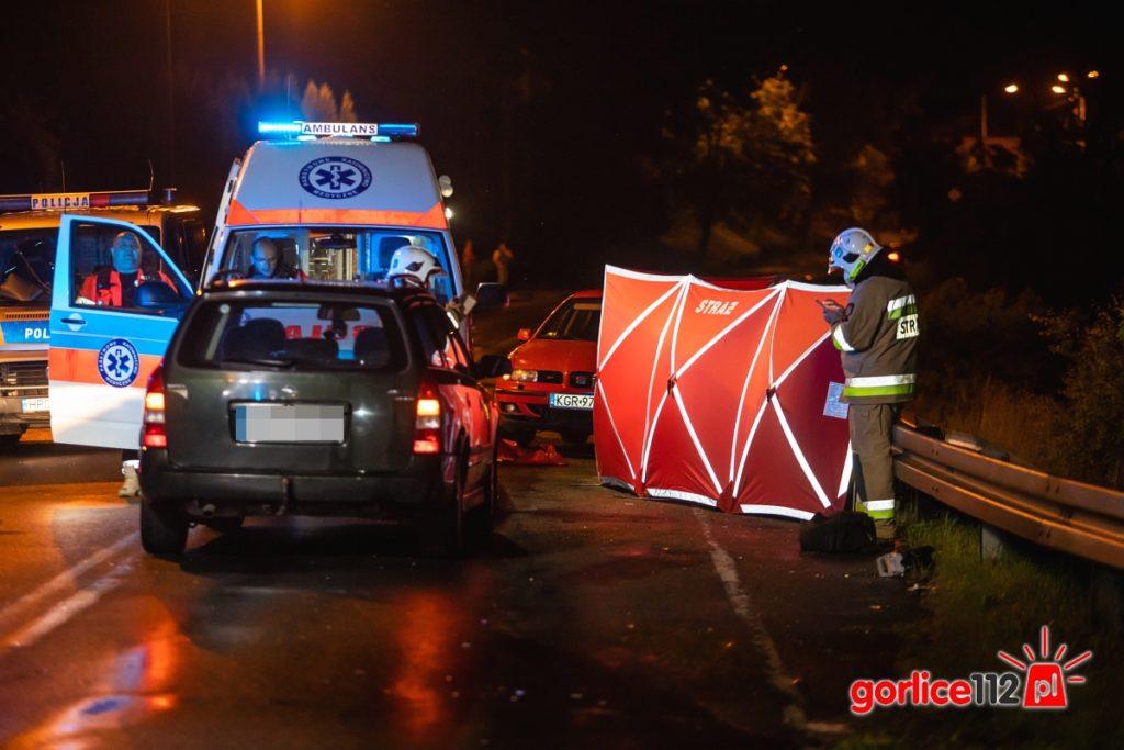 Biecz, ul. Grunwaldzka - śmiertelne potrącenie motorowerzysty