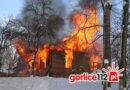 Szymbark: pożar drewnianego domu w lesie. LPR w akcji! (VIDEO, FOTO)