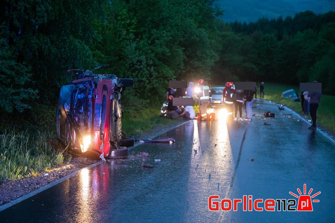 Łosie: wypadek samochodowy, trzy osoby poszkodowane. Droga Bielanka – Łosie zablokowana!